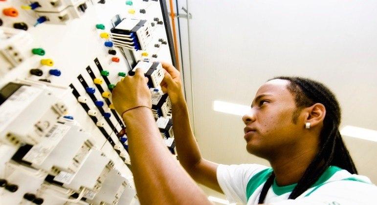 O estágio é uma etapa importante para a formação e a inserção do estudante no mercado de trabalho