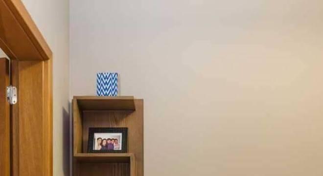 estante decorativa quarto de solteiro vinicius de mello