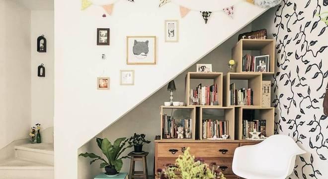 estante feita de nichos canto casa aberta