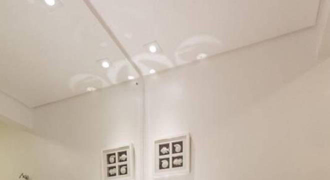 estante metal e vidro baixa banheiro fernanda duarte