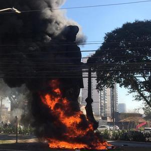 TJ-SP nega liberdade de suspeito de atear fogo em estátua