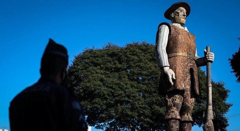 Empresário vai custear reforma da estátua do Borba Gato, diz prefeito de SP