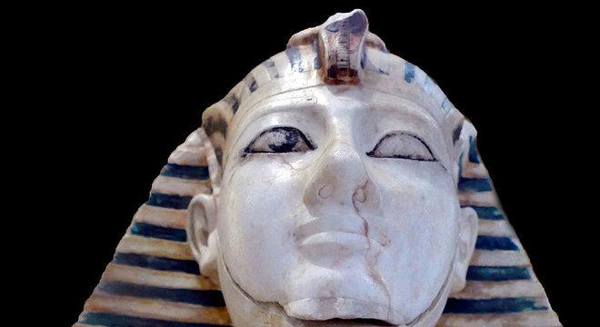 Tutemés III tentou difamar sua madrasta?