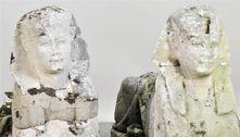 Estátuas vão a leilão como réplicas, mas são artefatos do Antigo Egito