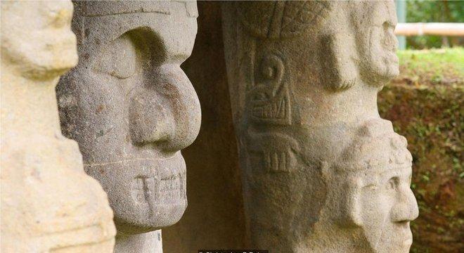 O Frei Juan de Santa Gertrudis, que encontrou as estátuas e túmulos em 1757, descreveu-as como 'obra do diabo'