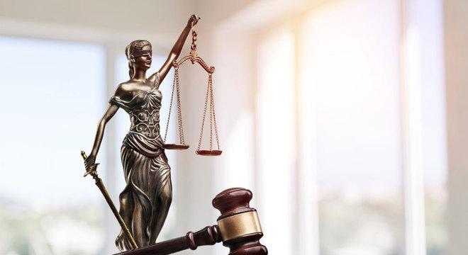 A justiça pode apreender fortunas de origem suspeita mesmo antes do processar criminalmente o acusado