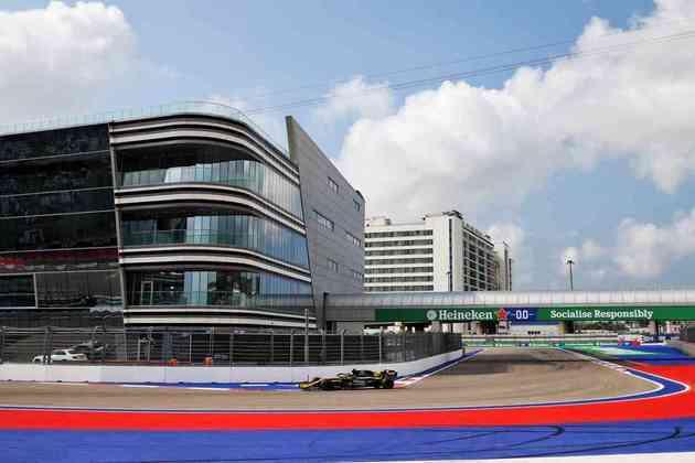 Esteban Ocon e o moderno autódromo de Sóchi, na Rússia