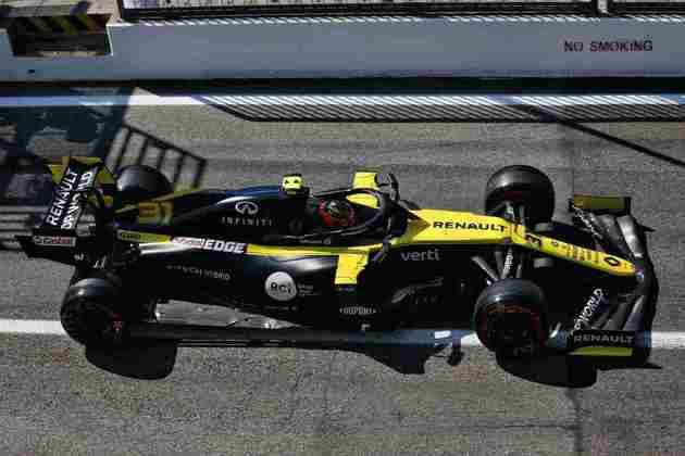 Esteban Ocon envolveu-se em confusão com Kimi Räikkönen no Q1