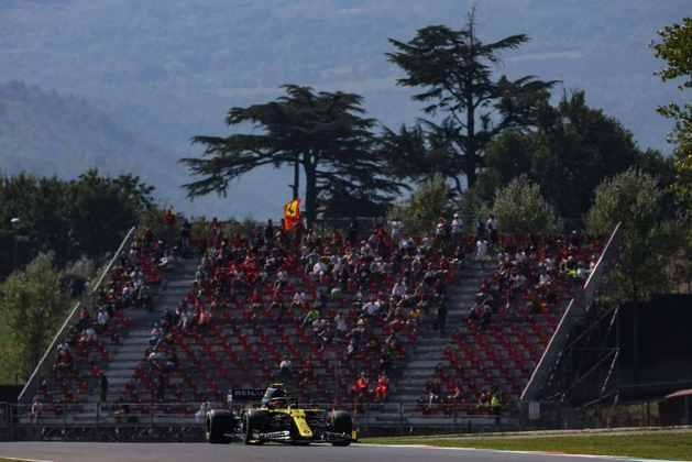 Esteban Ocon ficou apenas com a décima posição no grid