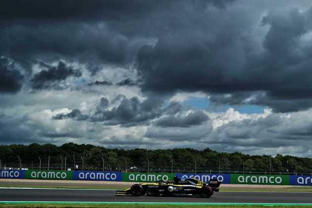 Esteban Ocon finalmente conseguiu chegar à parte final da classificação e ficou em nono