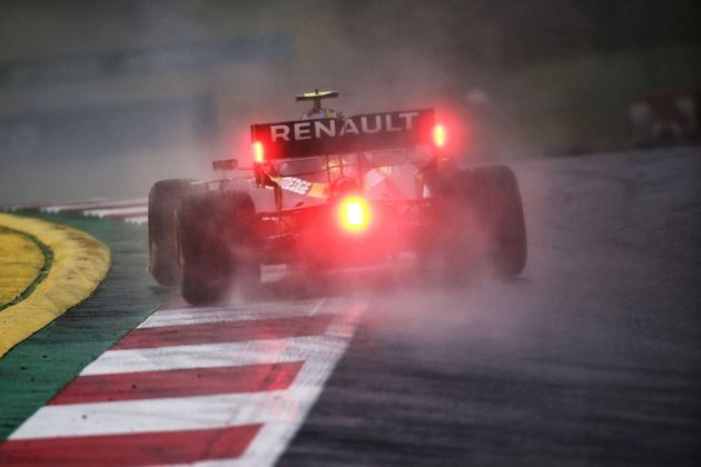Esteban Ocon foi 1s219 mais lento que pole Lewis Hamilton