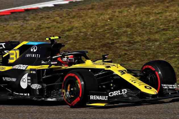 Esteban Ocon larga atrás de Ricciardo, na sétima posição
