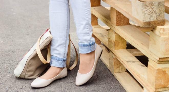 Esteja pronta para o retorno das sapatilhas; saiba como usá-las