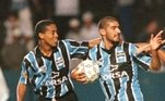 Loco Abreu deixou uma inusitada lembrança para torcedores do Grêmio. O uruguaio jogou sete partidas, marcou um gol e se machucou ao cobrar um pênalti. Tudo isso na temporada de 1998