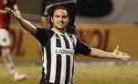 Outro gringo que decepcionou foi Leandro Zárate. O colombiano jamais correspondeu em 2008, e sumiu do clube no ano seguinte. Fez seis gols em sua passagem