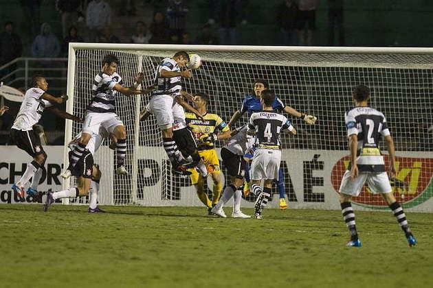 Estreia - Corinthians 1 x 0 XV de Piracicaba - 28/3/2012 - Paulistão - Até então reserva, Cássio fez seu primeiro jogo oficial pelo clube e não decepcionou. Acabou salvando o time de um empate nos minutos finais do duelo pelo estadual