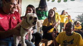 __Churrasco, festa e liberdade: a estreia do Brasil na periferia de SP__ (Reprodução)