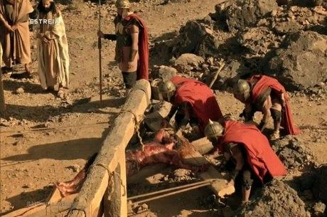 Cena de crucificação foi exibida na estreia