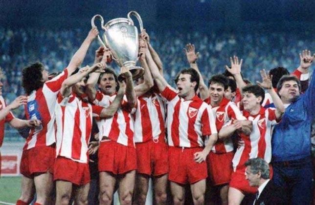 Estrela Vermelha - 1 título (1990–91).