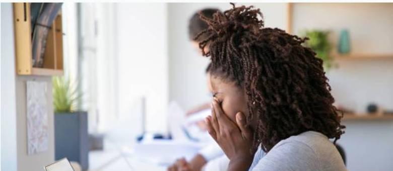 Estresse crônico no trabalho causa síndrome de burnout