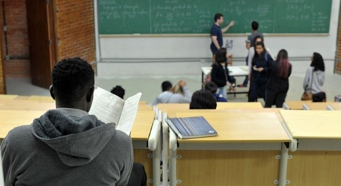 Brasil tem situação vergonhosa na Educação