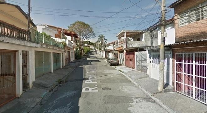Suspeito trocou tiros com um policial militar após tentativa de assalto na Freguesia do Ó
