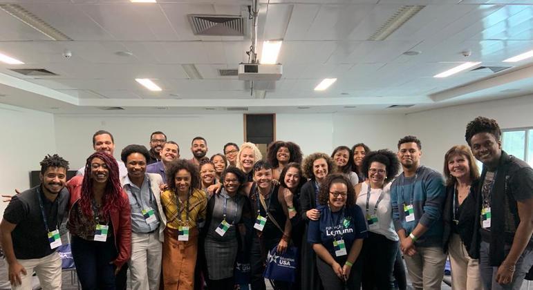 Jósimo (ao centro) com alunos selecionados na última edição do Oportunidades Acadêmicas