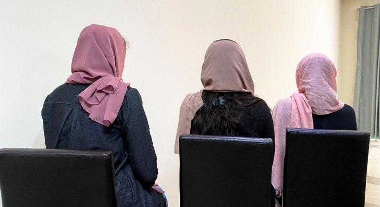 Medo e ansiedade perseguem universitárias afegãs