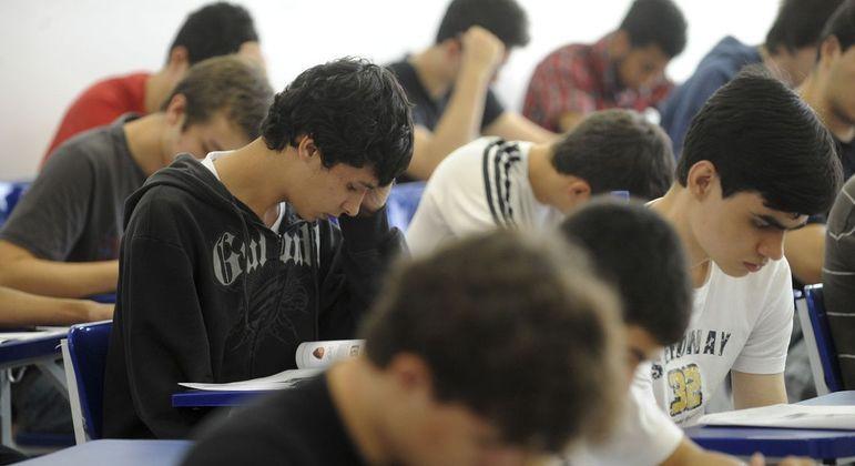 Termina nesta sexta (24) prazo para estudantes definirem itinerário formativo e rematrícula