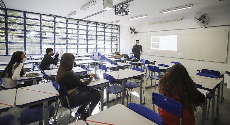 Ensino Médio: estudantes têm até o dia 8 de julho para escolher itinerário formativo