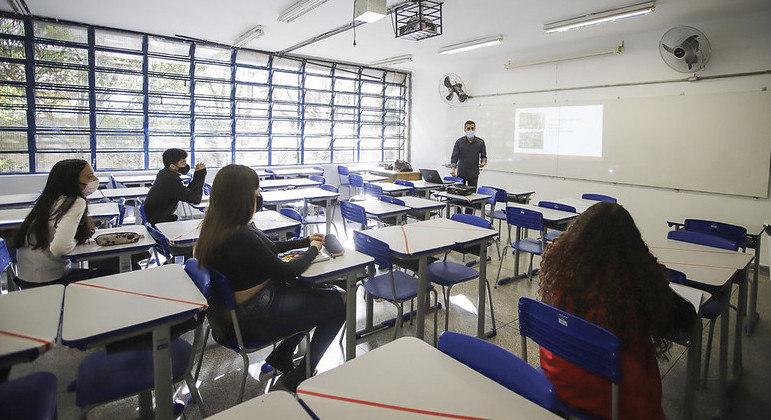 Taboão da Serra, na Grande SP, retoma nesta segunda (27) aulas presenciais na rede municipal