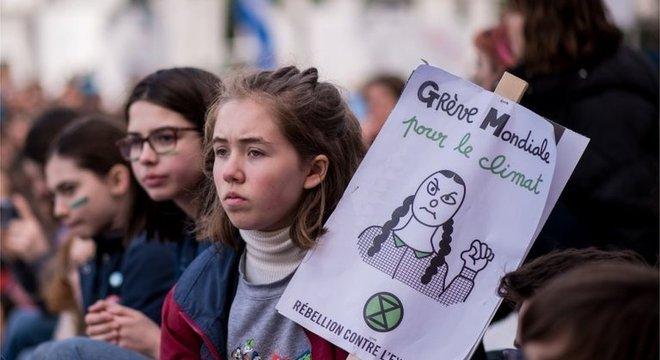 Estudantes em Quebec se uniram aos milhares que protestaram ao redor do mundo contra o aquecimento global, em março