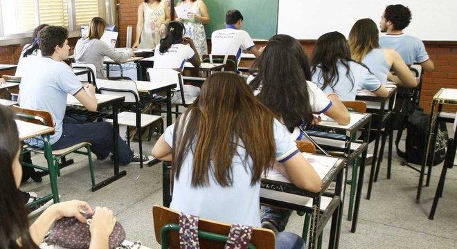 'Começamos a ver os alunos de forma diferente', diz professora 'Porta aberta' para falar de sentimentos