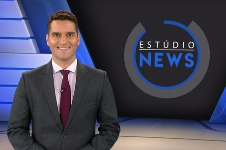 O apresentador Gustavo Toledo