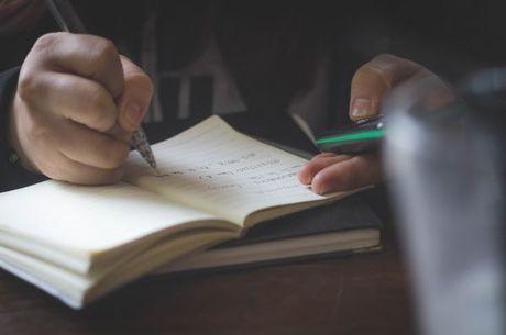 Estudantes podem revisar aulas do R7 Ensina