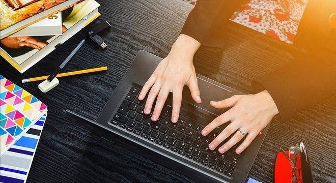 Provas online estão se tornando mais comuns nos principais vestibulares de SP