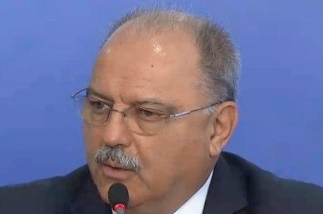 """Ministro afirma que governo fez o """"necessário"""""""
