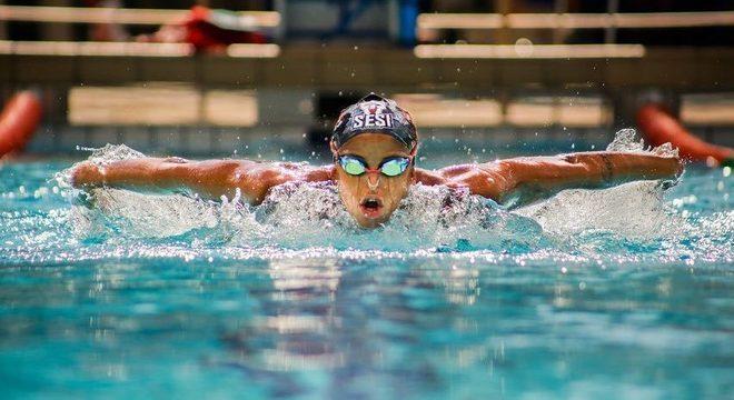 Etiene começou a nadar na infância por causa da asma e virou atleta