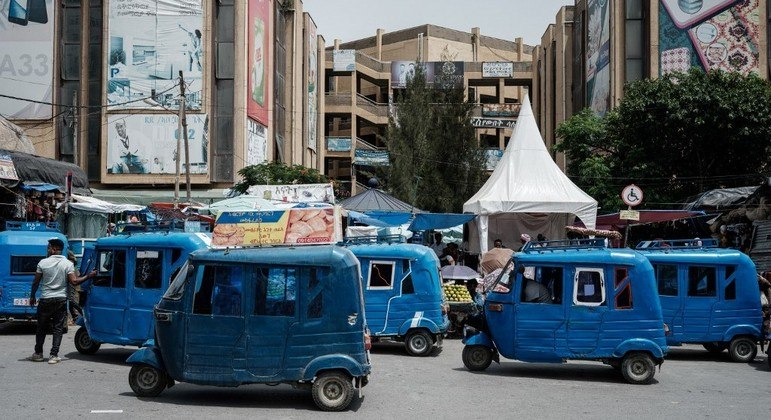 O exército federal etíope abandonou Mekele, capital do Tigré, nesta segunda