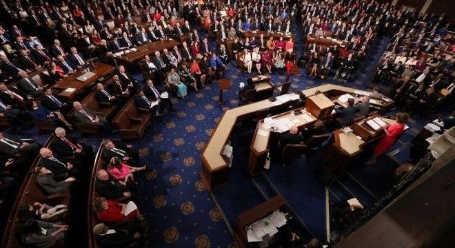 Deputados votaram a favor do bloqueio a reformas vistas como ameaça