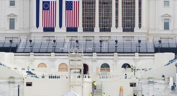 Estrutura para posse de Biden segue sendo montada ao lado do Capitólio