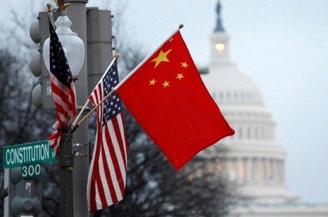 China acusa EUA de fabricar mentiras em visita