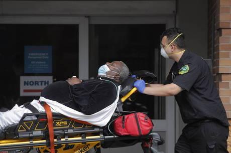 Negros e latinos são maioria dos mortos por covid-19