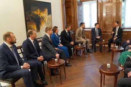 Assad em reunião com legisladores russos em Damasco