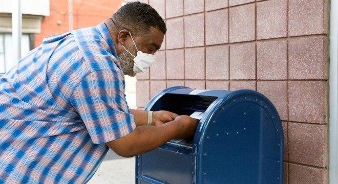 A ampliação do voto pelo correio tem causado muito debate nos Estados Unidos