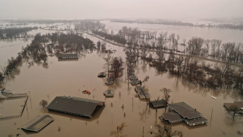 EUA: Enchentes ameaçam destruir mais Estados do Meio-Oeste