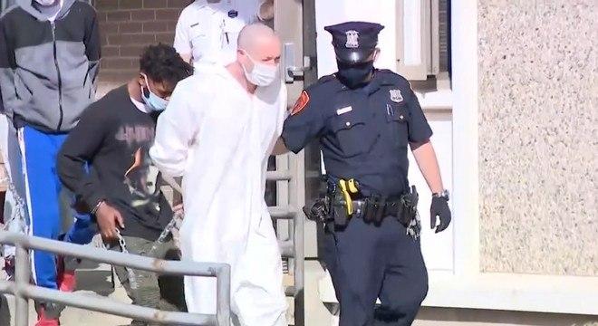 Thomas Scully-Powers foi preso e indiciado pela morte do pai, Dwight