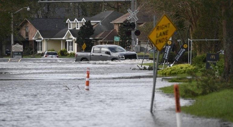 A região de Nova Orleans teve várias inundações por conta do furacão