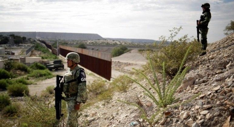 Muro entre EUA e México é um dos mais emblemáticos