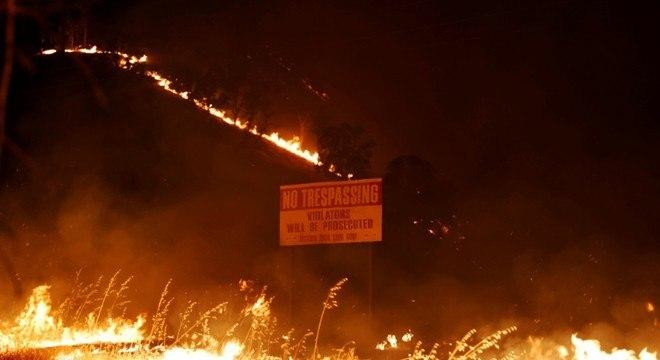 Incêndios florestais ocuparam uma área que se estende por 5 condados